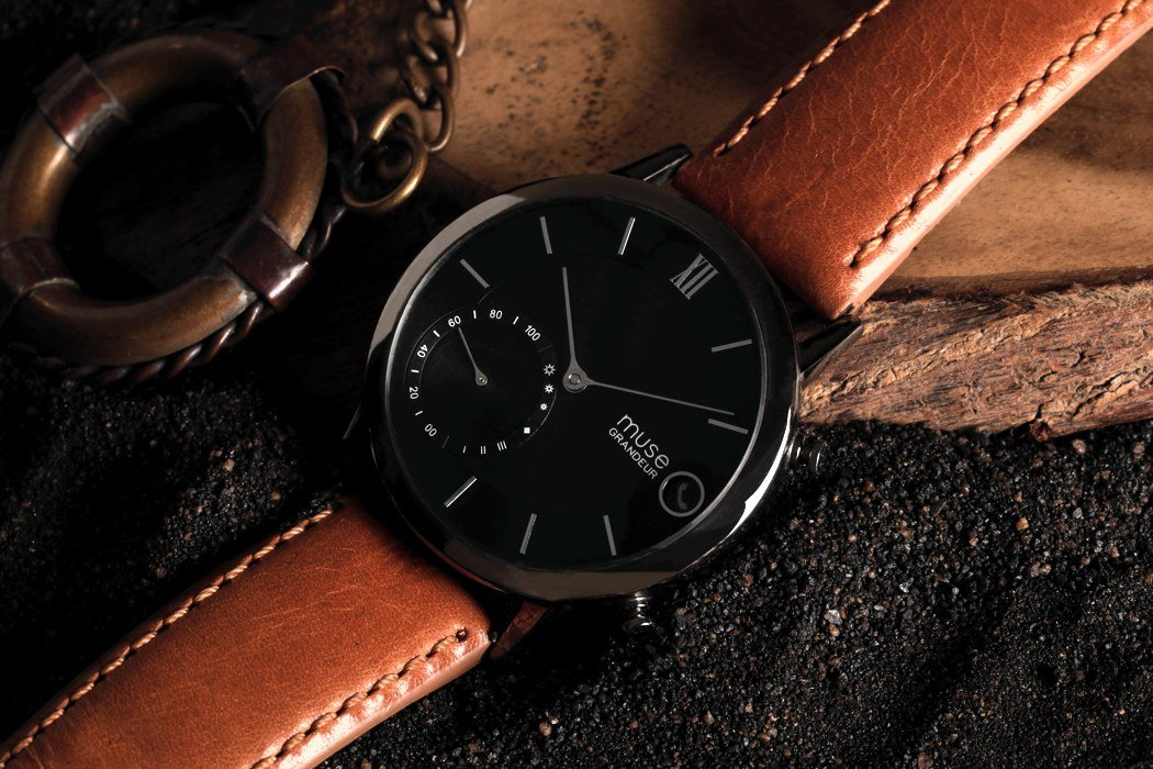 muse_hybrid_smartwatch_04