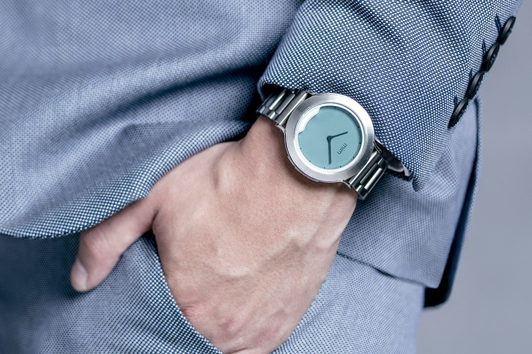 mimx_smartwatch_with_invisible_display_02