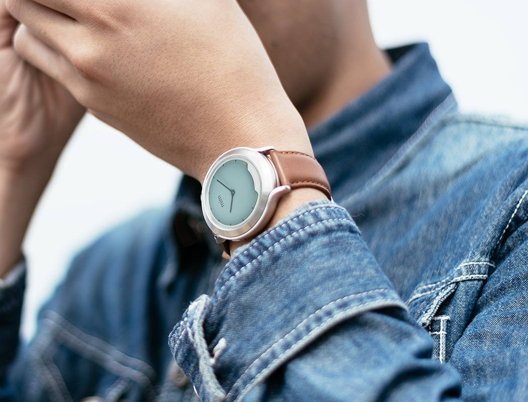 mimx_smartwatch_with_invisible_display_03