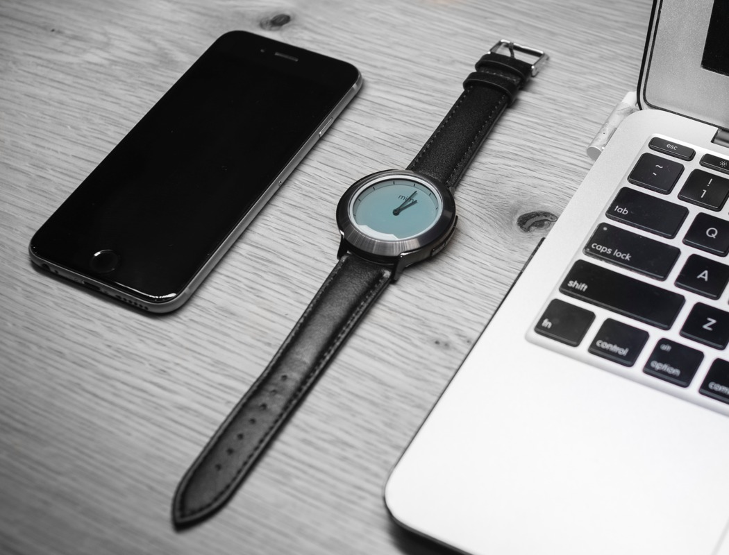 mimx_smartwatch_with_invisible_display_09