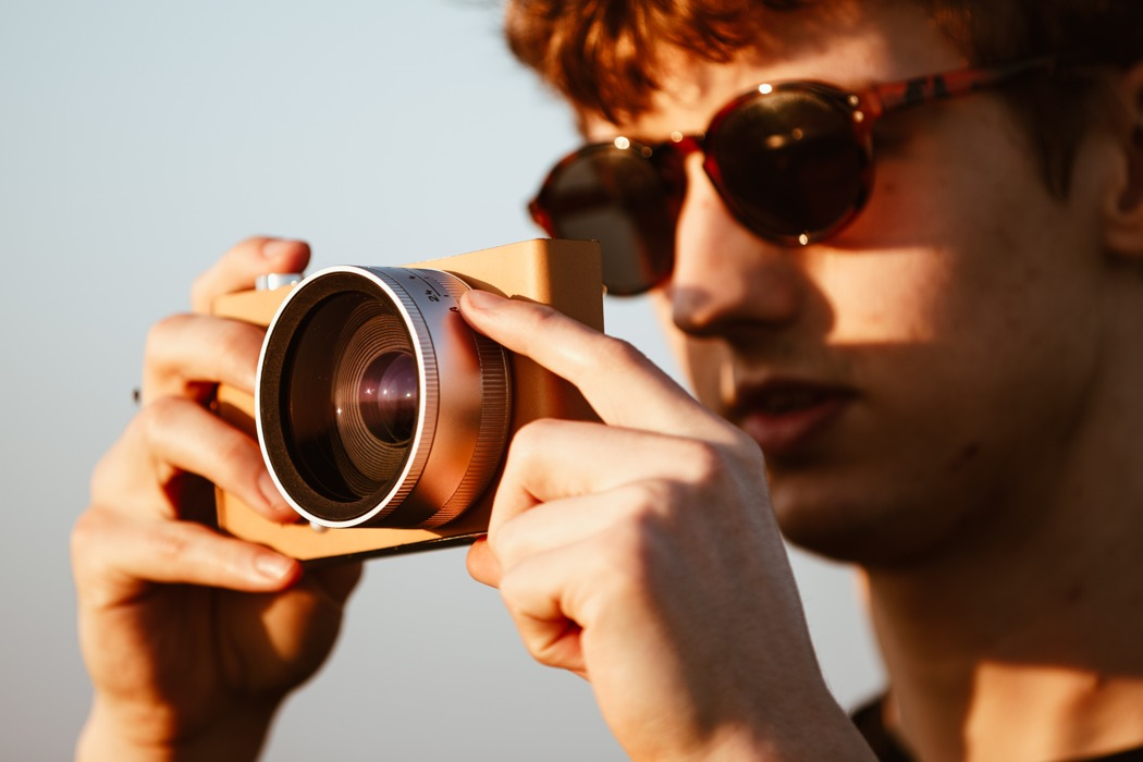 digital_camera_for_the_visually_impaired_01