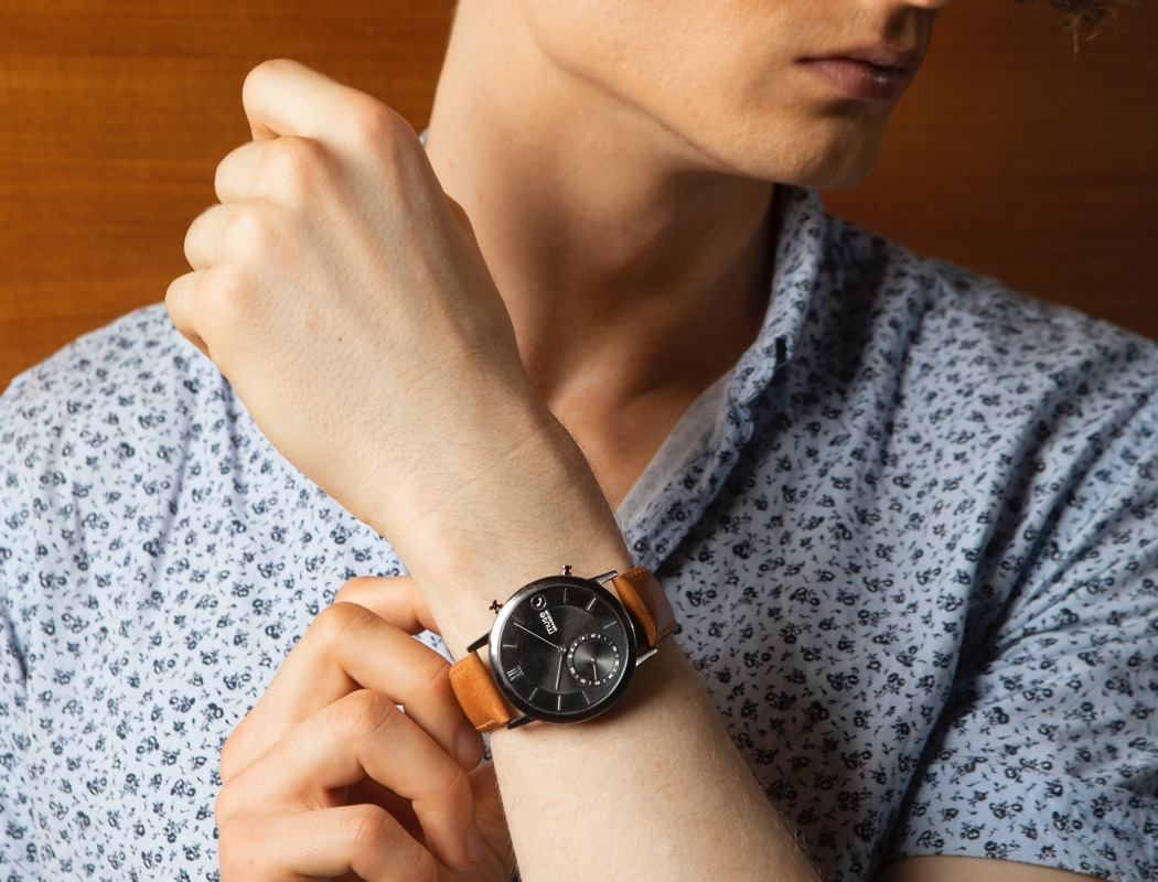 muse_hybrid_smartwatch_25