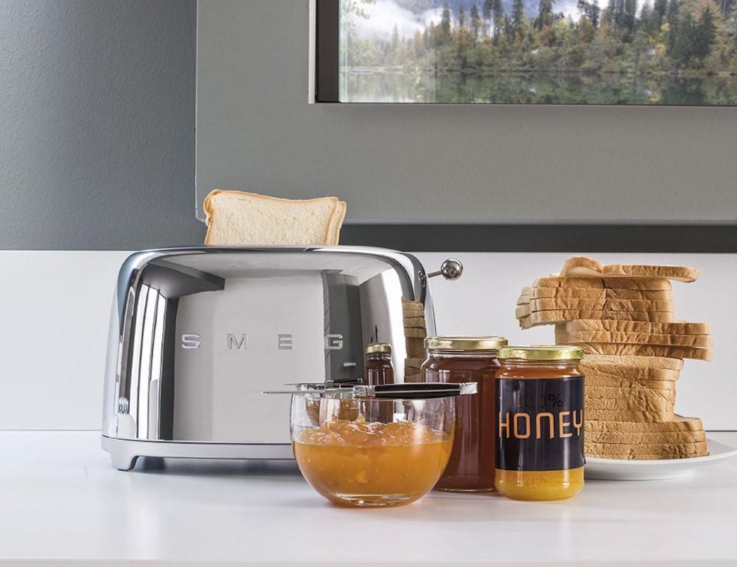 smeg_retro_toaster_2