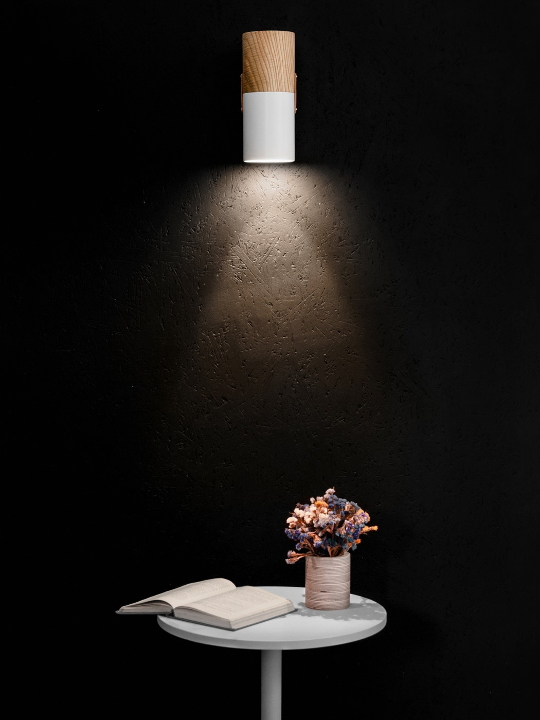 nutc_sconce_lamp_06
