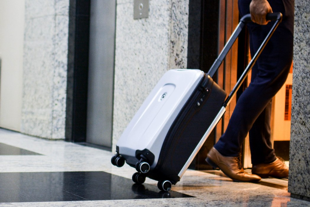 plevo_smart_luggage_01