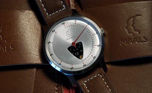 jump_over_the_moon_watch_layout