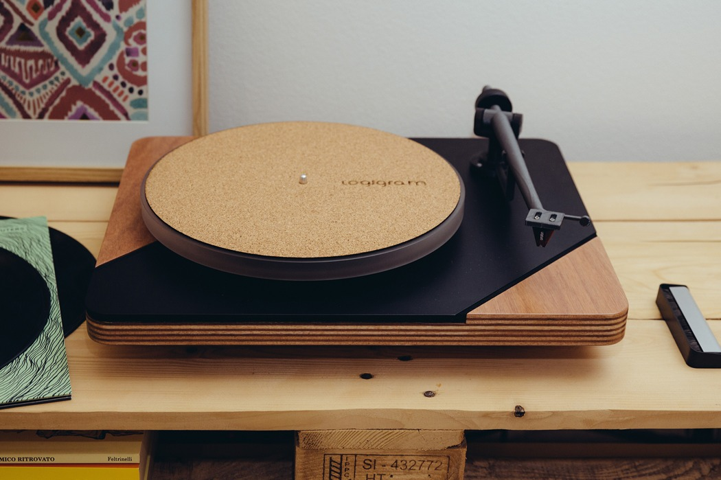logigram_turntable_03