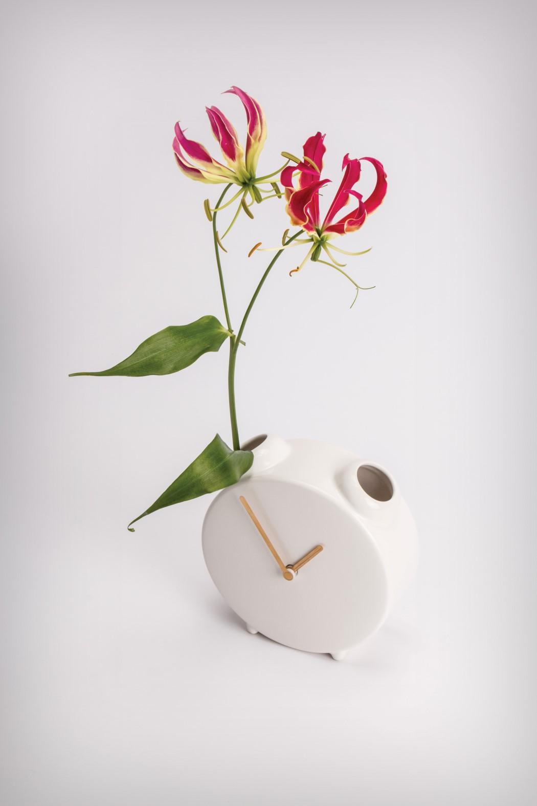 clock_vase_12