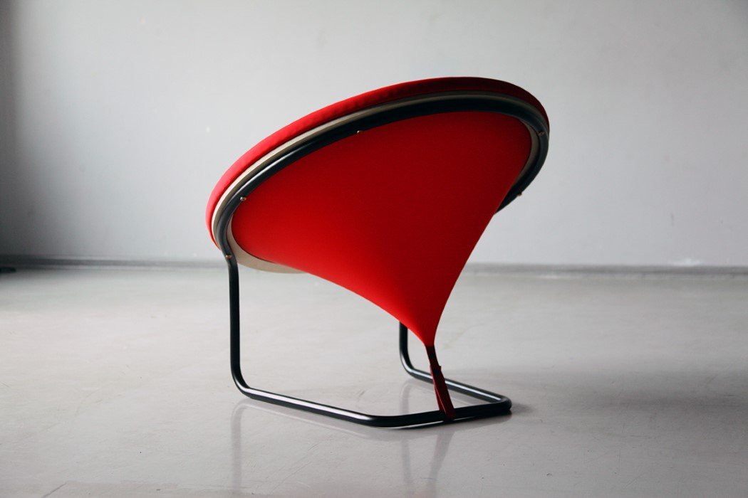 red_dot_chair_3