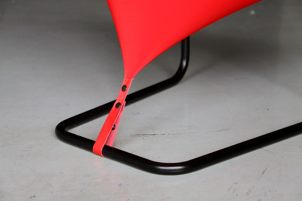 red_dot_chair_5