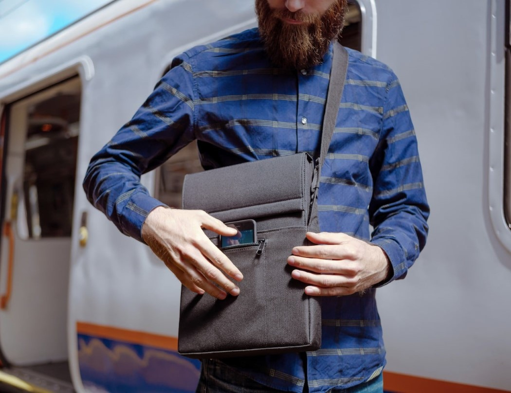 laer_laptop_charging_sleeve_3