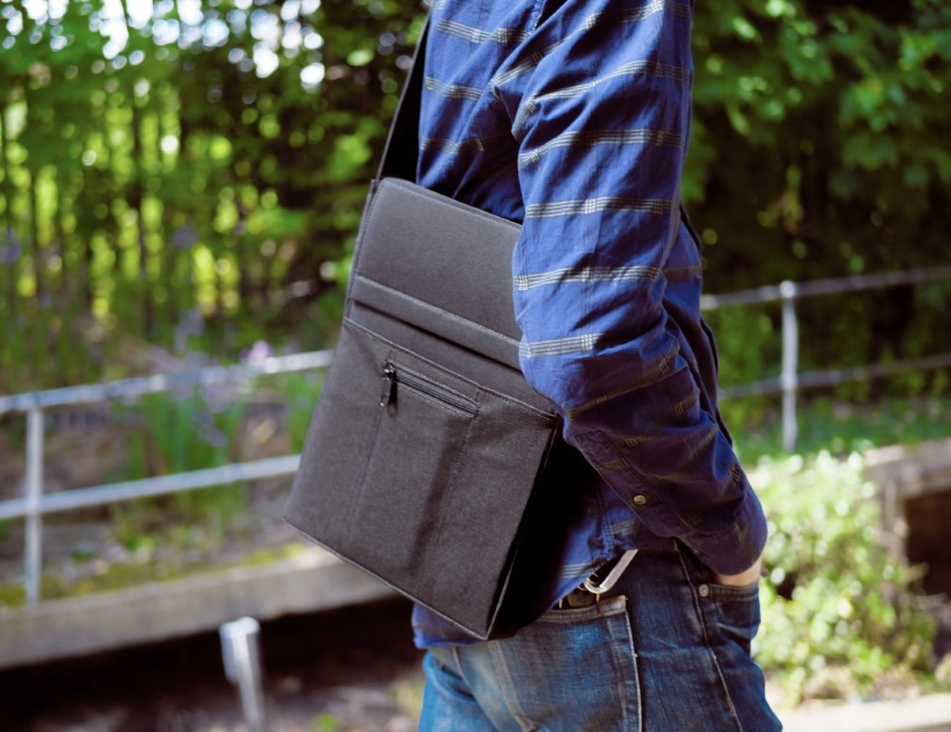 laer_laptop_charging_sleeve_4