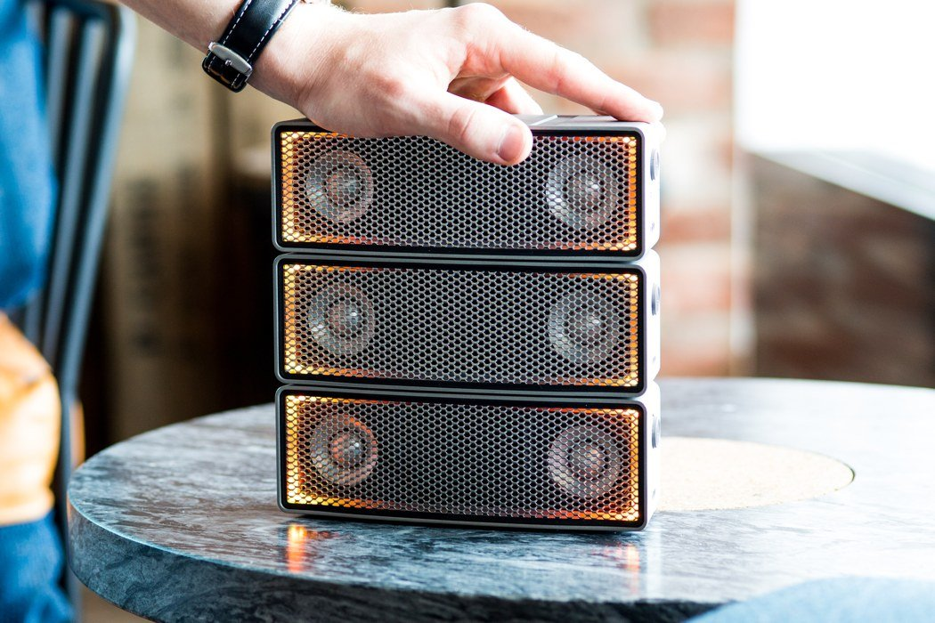 soundots_stackable_speaker_01