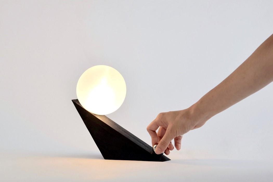 tilt_light_1