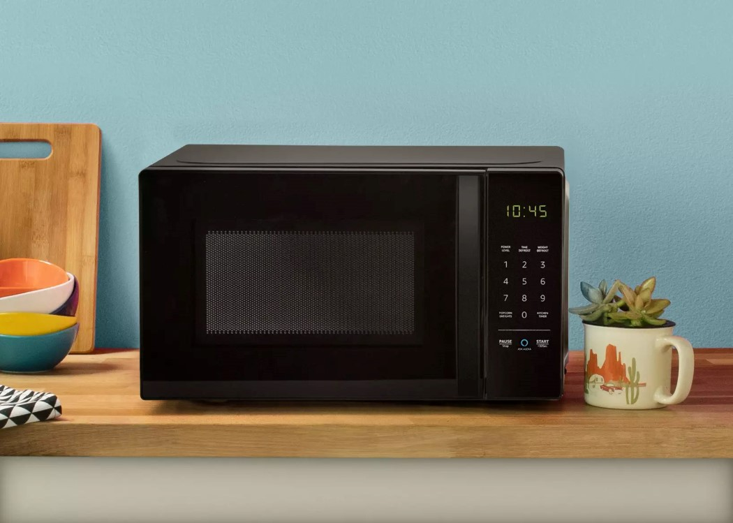 amazon_basics_microwave_1