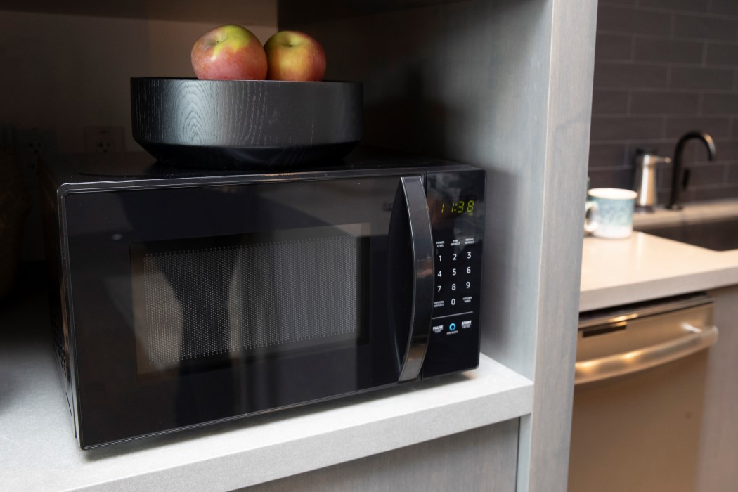 amazon_basics_microwave_5