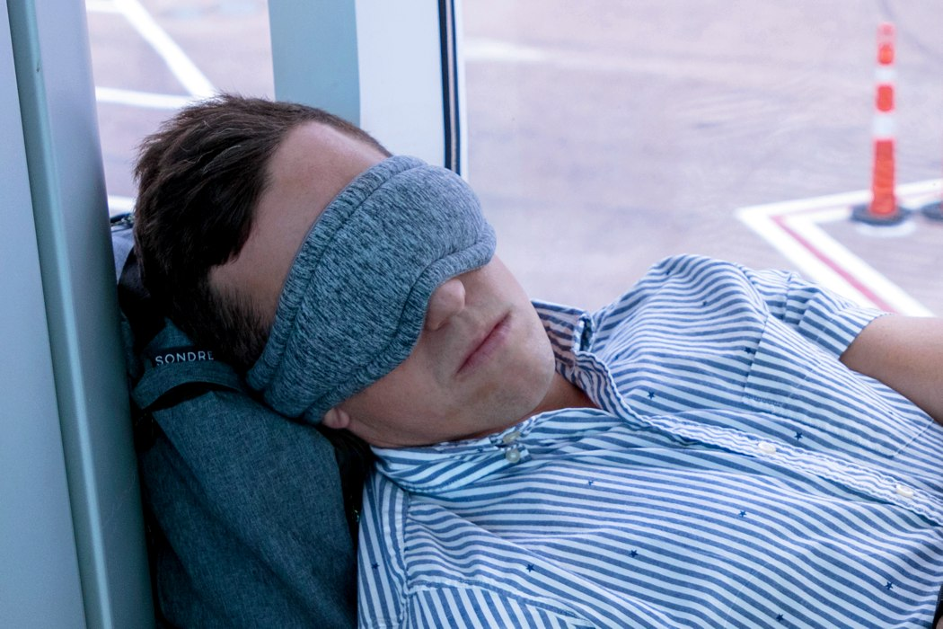 voyage_adjustable_sleep_mask_layout