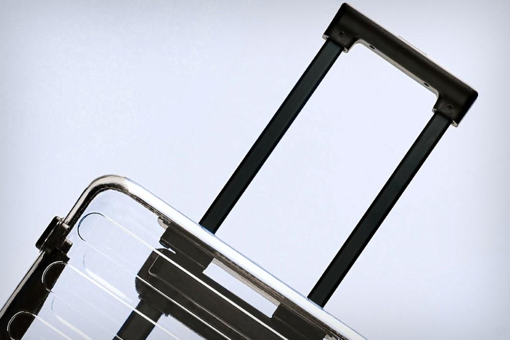 90_points_transparent_suitcase_2