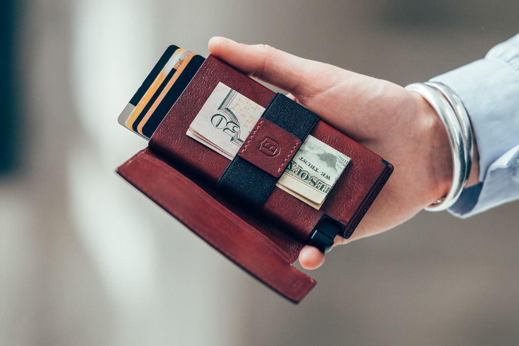 ekster_worlds_slimmest_smart_wallet_02