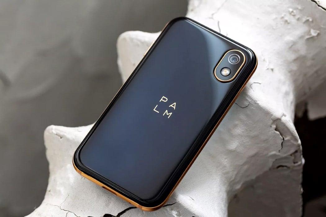palm_phone_8
