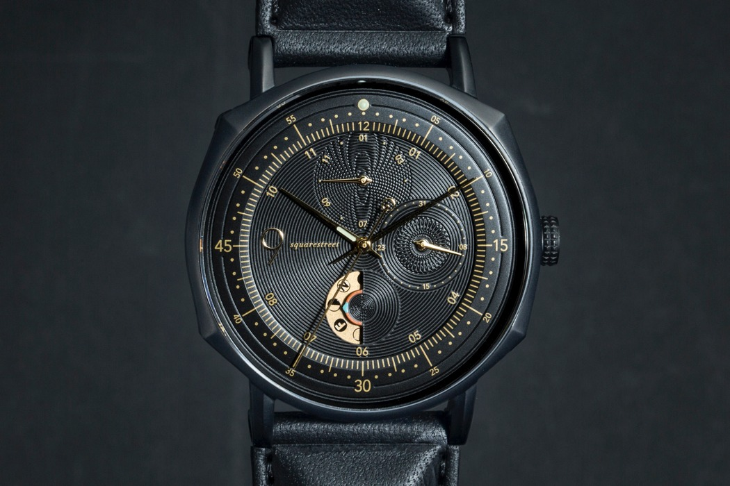 novem_moon_phase_chronograph_watch_layout