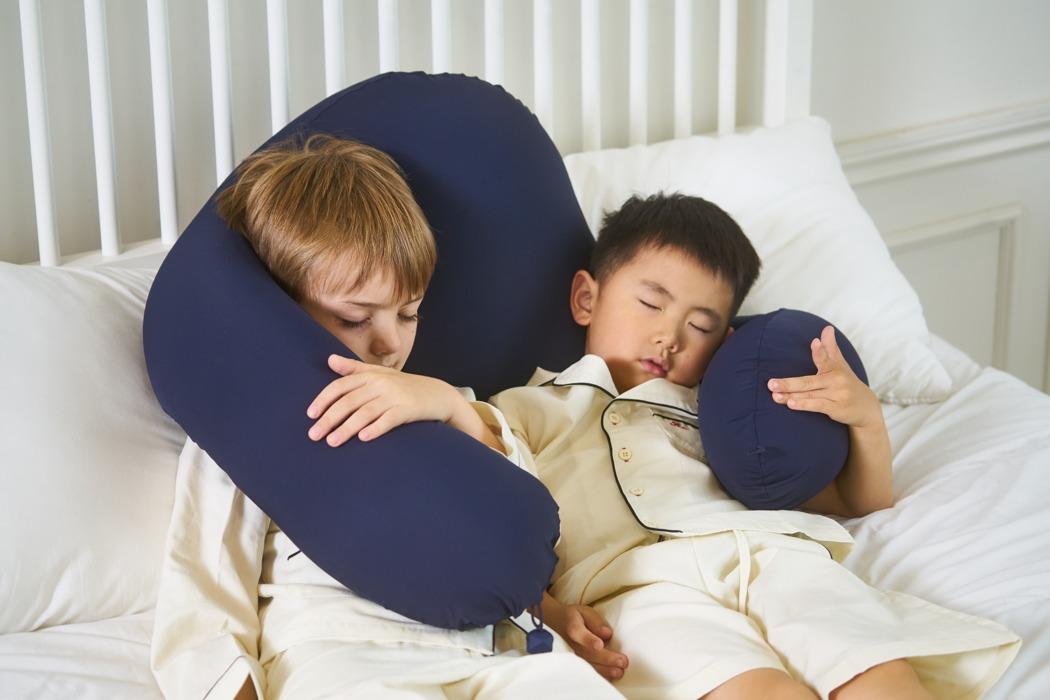 sentim_anywhere_pillow_04