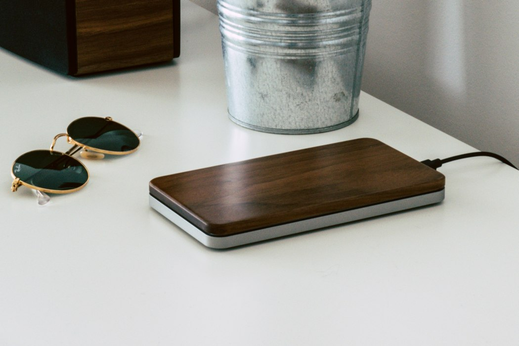 balolo_brick_wireless_charger_02