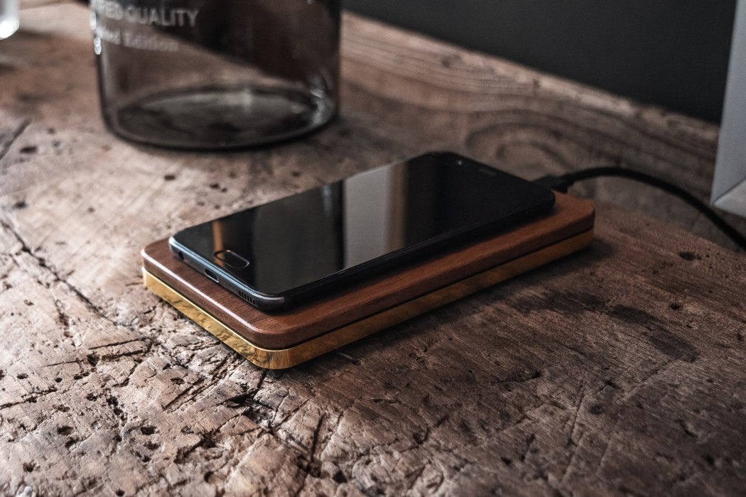 balolo_brick_wireless_charger_03
