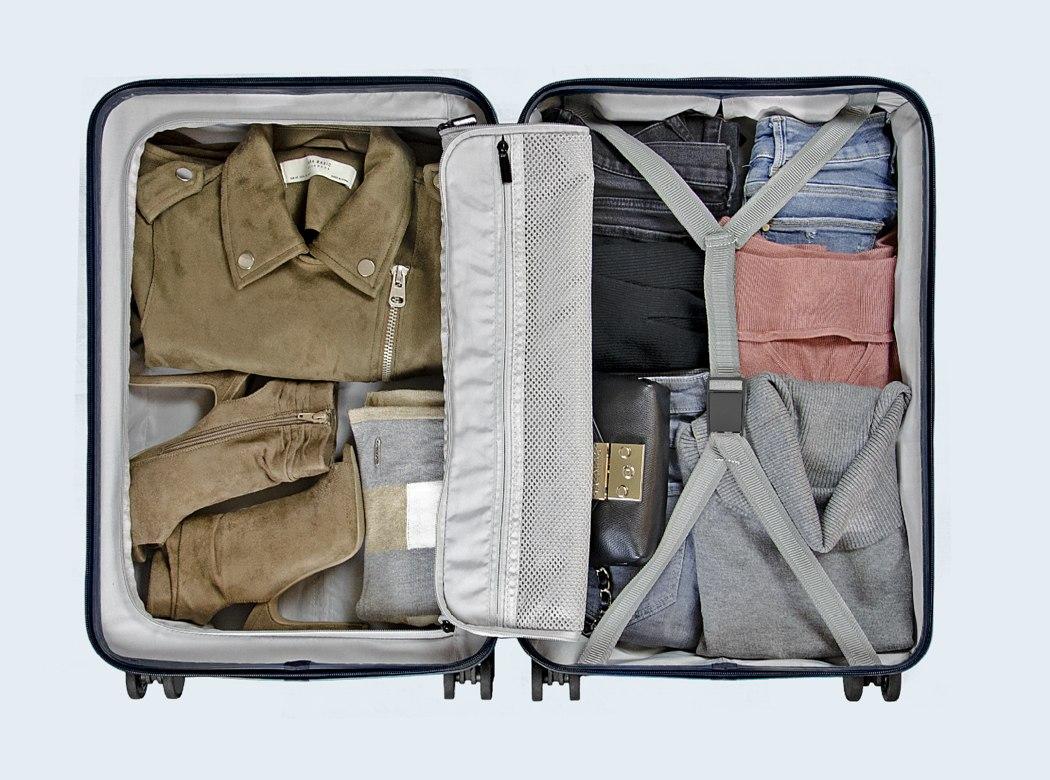 monos_premium_minimalist_luggage_11