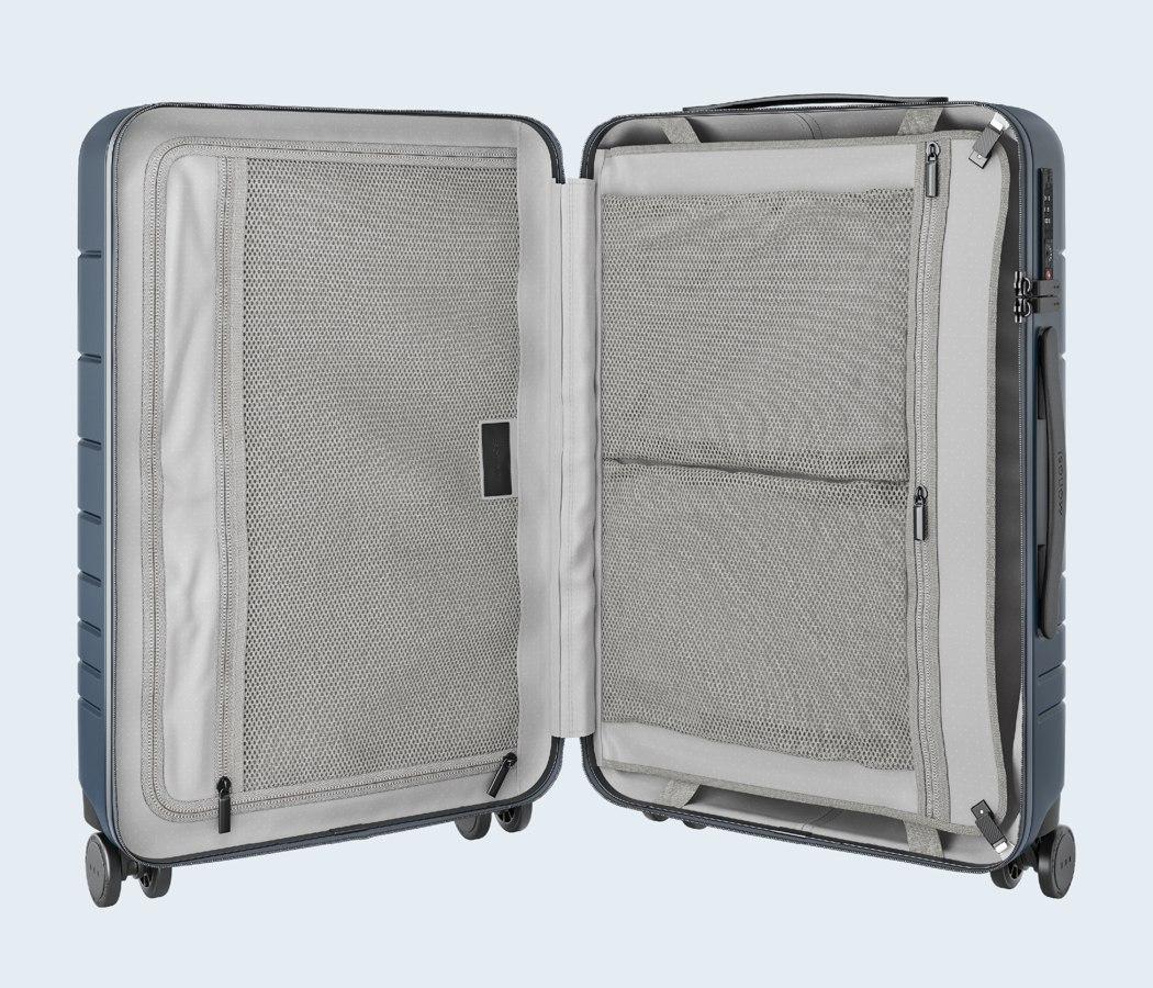 monos_premium_minimalist_luggage_12