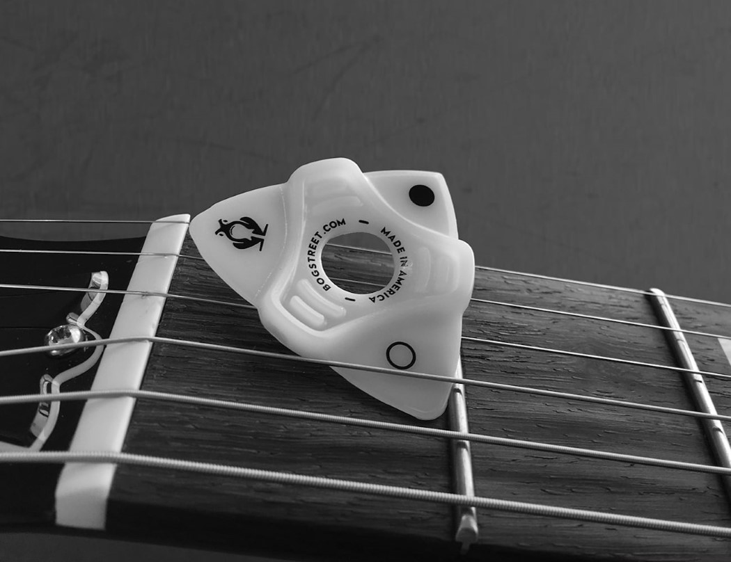leap_ergonomic_guitar_pick_5