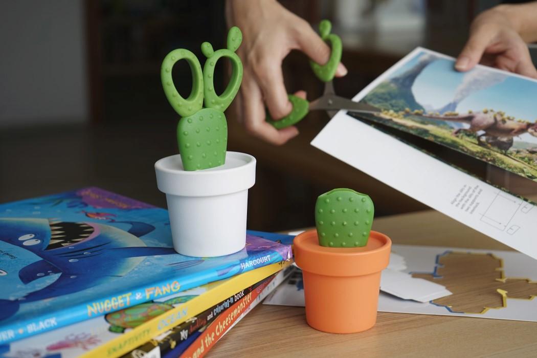 cactus_scissors_1