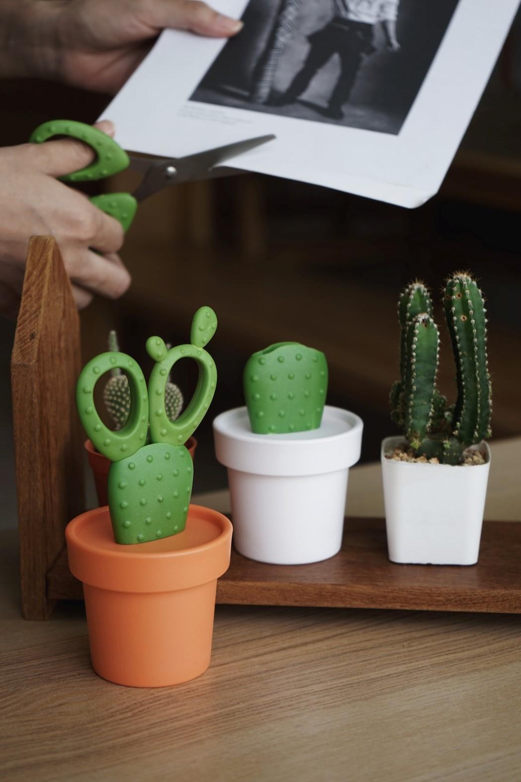 cactus_scissors_3