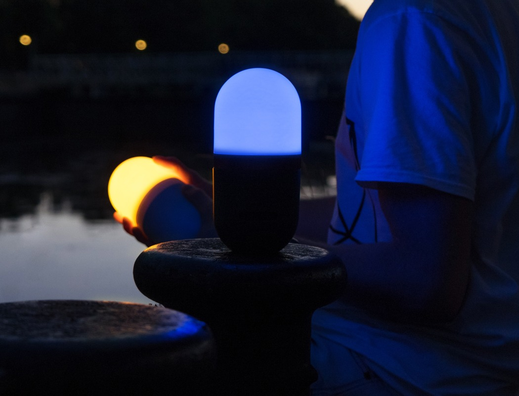 lucis_moodlamp_and_charger_03