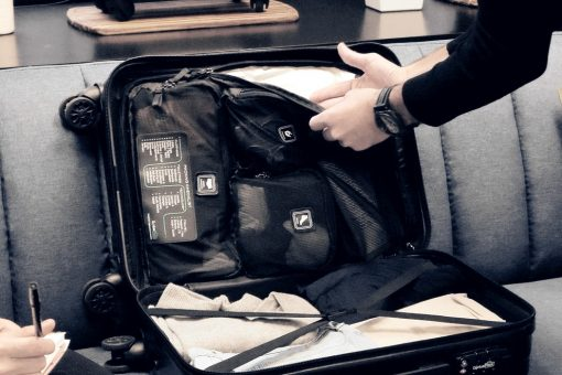 038816f0fed91 This smart suitcase has a built-in checklist to remind you what to pack!