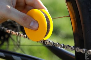 The newest, most efficient, and oil-saving way to lubricate your bike-chains
