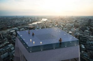 A London skyscraper is going to get the world's first 360° infinity pool. Right on its terrace!