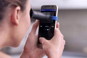 A tiny phone-mounted kit that lets you test your eye-power from your home