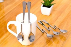 Oddly shaped teaspoons that are perfect for hanging on the rim of your coffee-cups