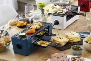 These modular Daisy Chained hotplates connect to feed breakfast family style!