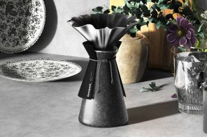 The Bouquet coffee dripper looks like a pretty vase, but is not one!