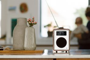 This retro yet modern minimal radio is designed for the love of all things nostalgic!