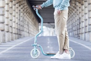 This uniquely colorful scooter comes with an ergonomic twist!