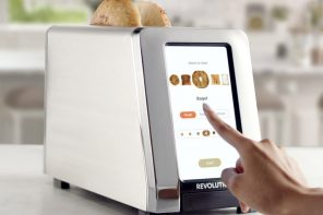 The world's fastest touchscreen-equipped toaster cooks the perfect toast…every singe time!
