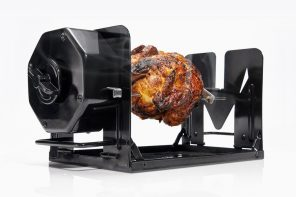 This fully mechanical rotisserie machine fits right into your oven!