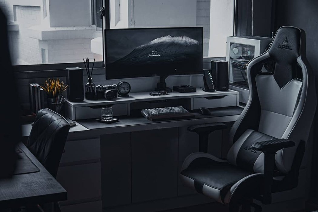 Desk Setups with minimal designs to increase your work from home productivity: Part 2