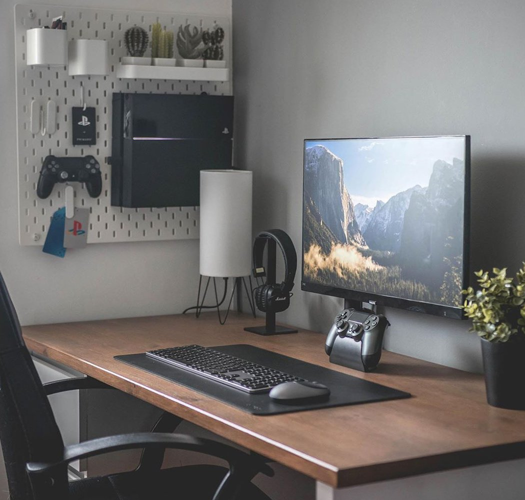 All Black Desk Setups That Will Inspire You To Adapt This Modern Minimal Trend Yanko Design