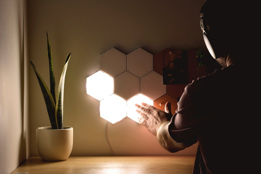 These modular and touch-enabled magnetic lights lets you easily customize your modern home interior!