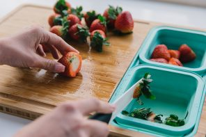 Make meal prep hassle-free again with this space-saving cutting board!