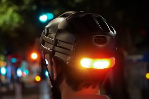 These helmet-mounted indicators help bridge the gap between bicycles and motorbikes